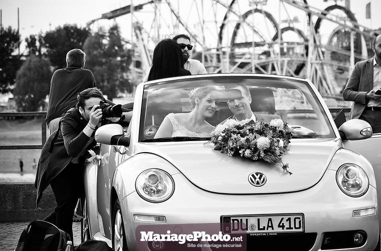 Avoir recours à un professionnel le jour de son mariage est une évidence si l'on veut immortaliser de la plus belle des manières son évènement